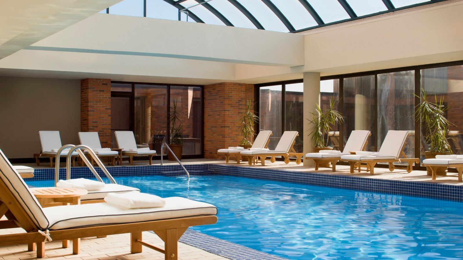 Toronto Hotel Features - Pool