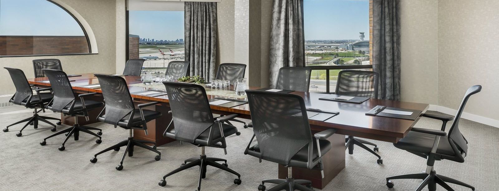 The Westin Toronto Airport Prime Minister Suite Boardroom