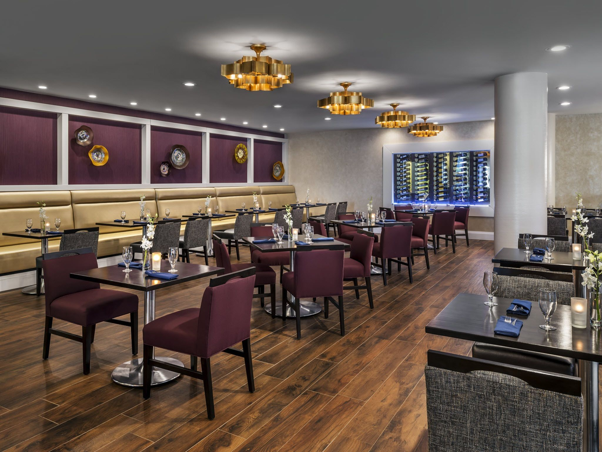 Restaurants near Toronto Airport - Crosswinds Restaurant and Bar